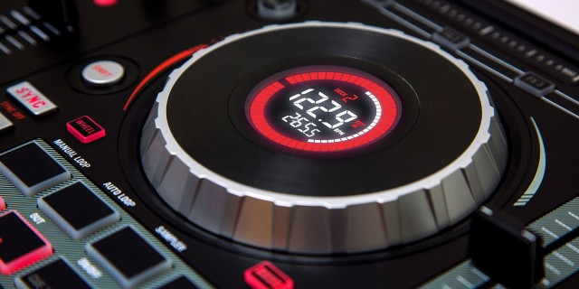 mixtrack-platinum-2