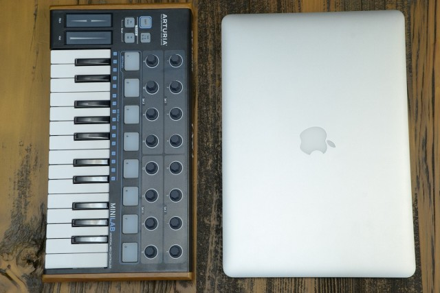 Minilab and Macbook pro15inchi