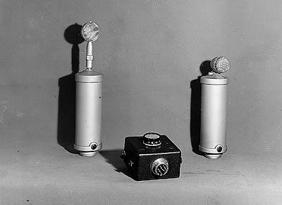 Primul microfon cu condensator
