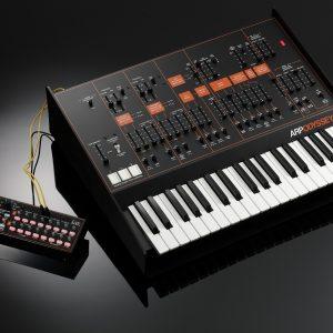 限定カラーのSQ-1を同梱|KORG、「ARP ODYSSEY FSQ」発売へ!